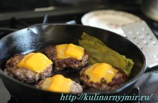 Мясные лепешки — ароматные, сочные, мягкие, очень вкусные!