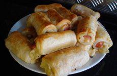 Вкуснейший, быстрый и простой завтрак — слойки с сосисками!