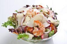 Обалденный салат с креветками и джемом из смородины   —  Быстро и очень вкусно!