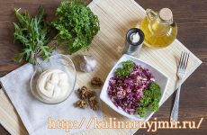 Салат из свеклы с черносливом и чесноком — вкусный и полезный