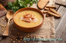 Вкусный, ароматный и сытный гороховый суп-пюре с беконом