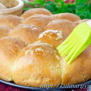 Пампушки с чесноком — вкусные сдобные булочки!