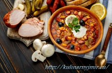 Солянка из охотничьих колбасок — яркий вкус!