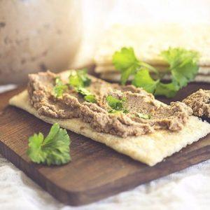Чечевичный паштет — это отличный белковый перекус!