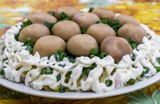 Салат «Грибная поляна» — очень вкусный и нарядный салатик!
