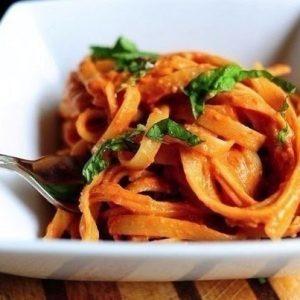 Фетучини в томатно-сливочном соусе — просто, гениально, вкусно и быстро!