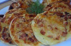 Картофельные ватрушки с курицей — очень сытные и вкусные!
