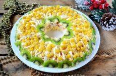 Куриный салат — вкусненький, полезный и сытный салатик!
