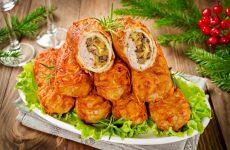 Мясные рулетики в грибной подливке — сочные и вкусные!