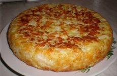 Пирог «Шарлотка с капустой» — изумительно нежный, мягкий и сытный!