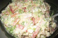 Салат «Берлинский» — довольно вкусный и простой салатик и очень быстрый в приготовлении!