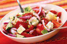 Салат «Шопский» — вкусненький Болгарский салатик!