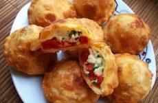 Вкуснейшие пирожки «Бомбочки» — хрустящее тесто и очень сочная начинка!