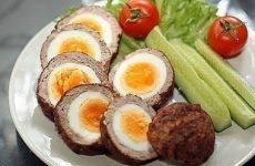 Яйца по-шотландски — очень вкусное универсальное блюдо!