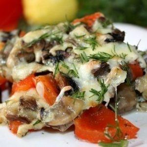 Запеченные баклажаны с грибами и перцем — вкусненькое и необычное блюдо!