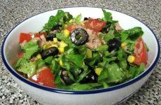 Зеленый салат с тунцом — легкий, низкокалорийный и очень полезный!