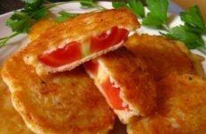 Жареные помидоры в сырном кляре — простая и вкусная закуска!
