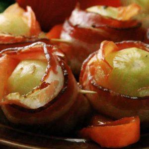 Картофель, запеченный в беконе — очень вкусное и красивое блюдо!