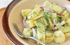 Салат из печеного картофеля — простой, но довольно вкусный салат!