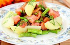 Салат с копченой рыбой, картофелем и зеленой фасолью — замечательный вкус!