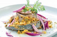 Сельдь в горчичной заливке — чрезвычайно популярное и вкусное блюдо!
