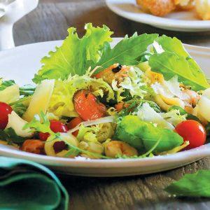 Цезарь с морепродуктами — легкий, нежный и сытный!