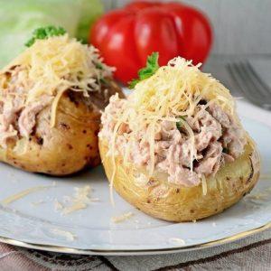 Запечённый картофель с начинкой из тунца — вкуснейший рецепт с нежной начинкой!