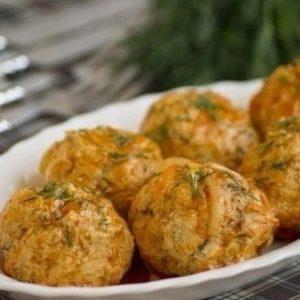 Грибные тефтели в сливочно-овощном соусе в мультиварке — очень нежные и очень вкусные!