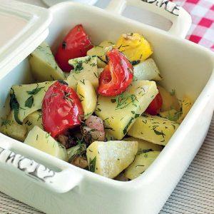 Картофель с копченой грудинкой — отличный быстрый рецепт ароматного блюда!