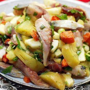 Салат из сельди с овощами — необыкновенно вкусный салатик!