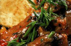Свиные ребрышки в клюквенном соусе — особый яркий вкус!