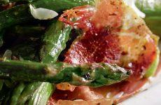 Закуска из спаржи с ветчиной — простая и очень вкусная закусочка!