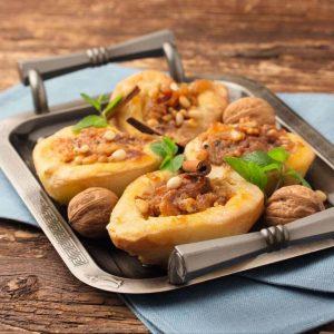 Печеная груша по-радзивилловски с орехами — вкус просто великолепный!
