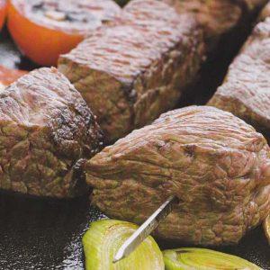 Шашлык, маринованный в собственном соку — натуральное жареное мясо!
