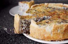 Грибной пирог — сытный и вкусный пирог!