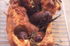 «Жаба в норке» — колбаски, запеченные в тесте!!!
