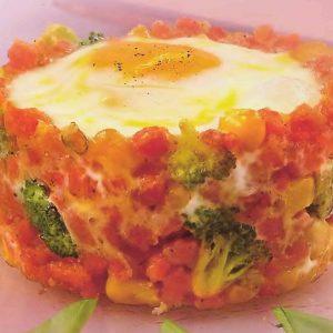 Глазунья с морковью и брокколи — простой и полезный завтрак!