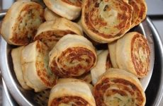 Алупатры (картофельные рулетики) — очень вкусное блюдо!