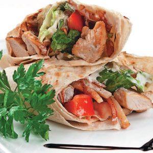Шаурма домашняя с курицей — отличный вариант для сытного перекуса!