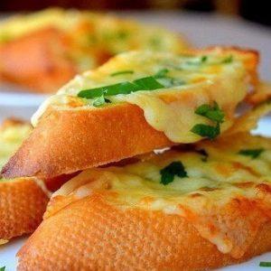 Бутерброды с чесноком и сыром — быстро и вкусно!