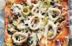Пицца с морепродуктами и орегано!