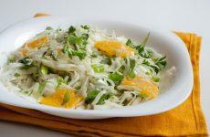 Салат из капусты с апельсинами и зеленью — очень вкусный салат!