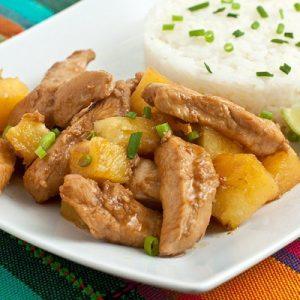 Курица с ананасами — необыкновенно нежное сочетание!