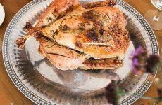 Курица, запеченная в фольге — восхитительно вкусная и ароматная!