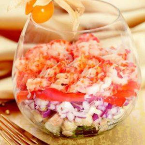 Овощной салат с раковыми шейками — наслаждение вкусом!