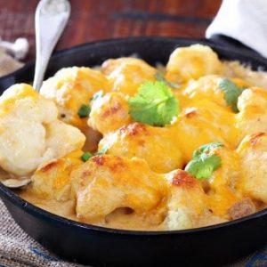 Цветная капуста, запеченная в духовке с сырным соусом — просто великолепно!