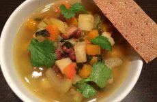 Суп овощной с фасолью — отличное первое блюдо, готовится быстро и получается очень вкусным!