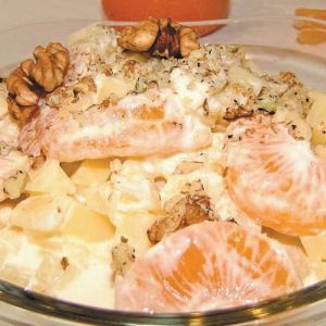 Вкуснейший салат с консервированными ананасами и апельсином!