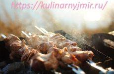 Шашлык в мятном маринаде — получается очень удачным, сочным, ароматным, румяным!