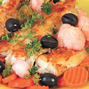 Жареный сом с овощным гарниром — самый вкусный!